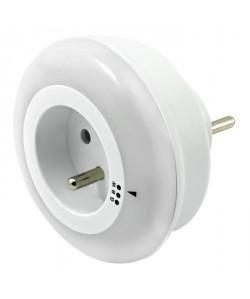 BRENNENSTUHL Veilleuse LED avec capteur crépusculaire et prise intégrée